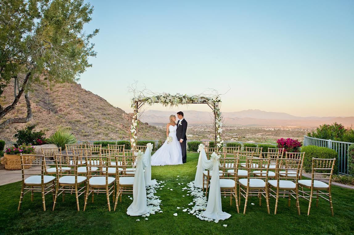 Backup Plans For Your Outdoor Wedding: How To Keep Your Guests Comfy At Your Outdoor Wedding
