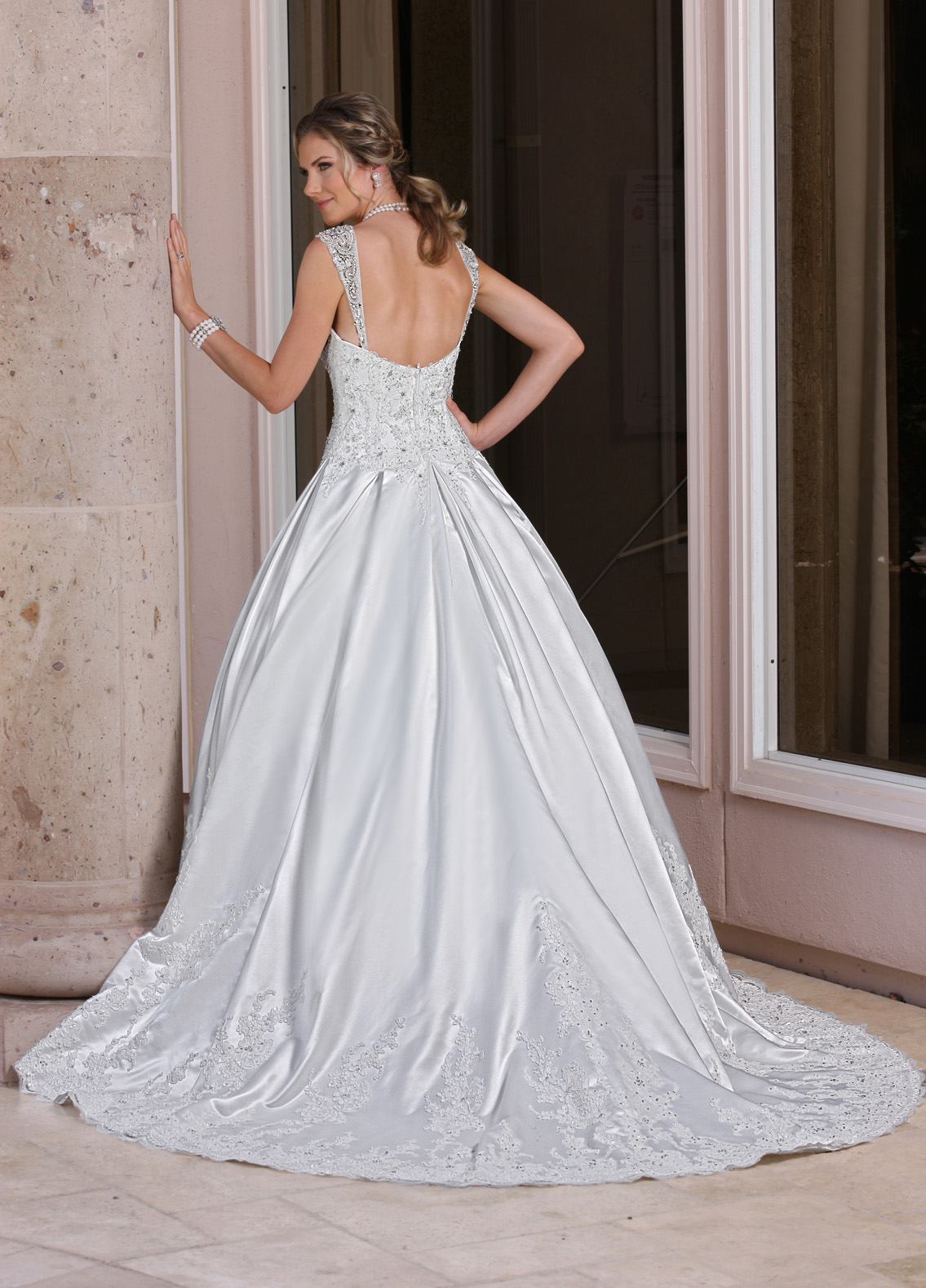 Back view of Style : 50352
