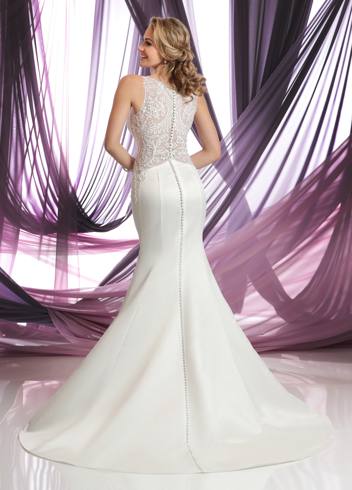 Back view of Style : 50382