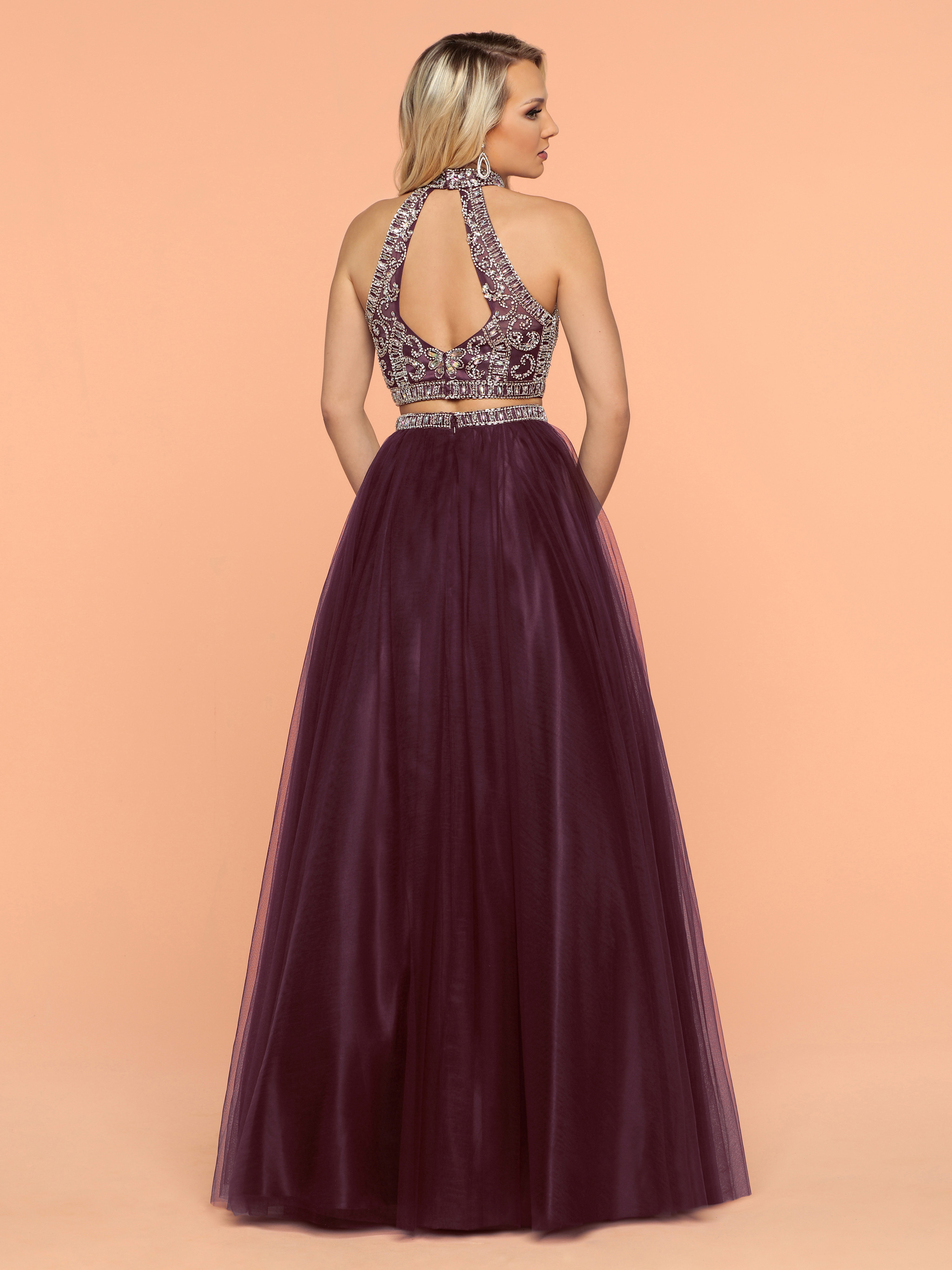 Image showing back view of style #71811