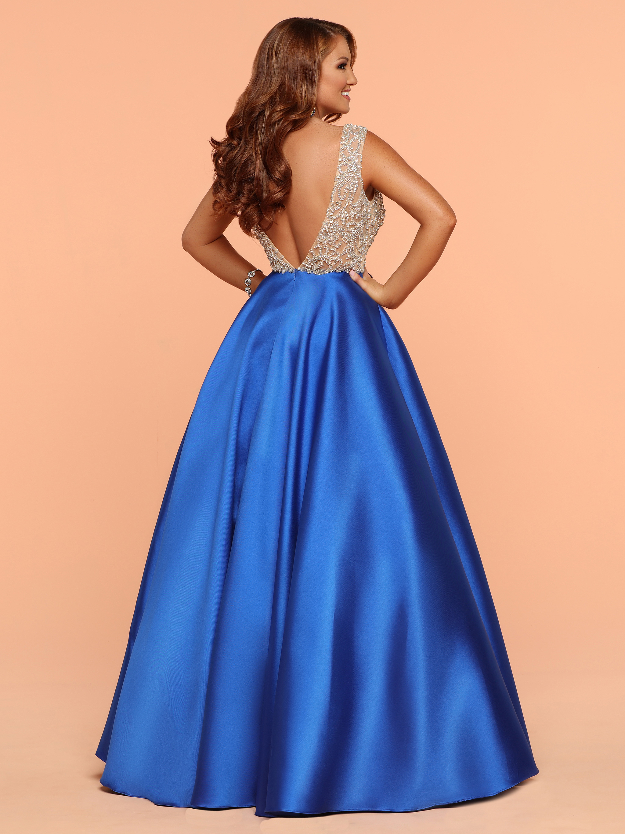 Image showing back view of style #71846