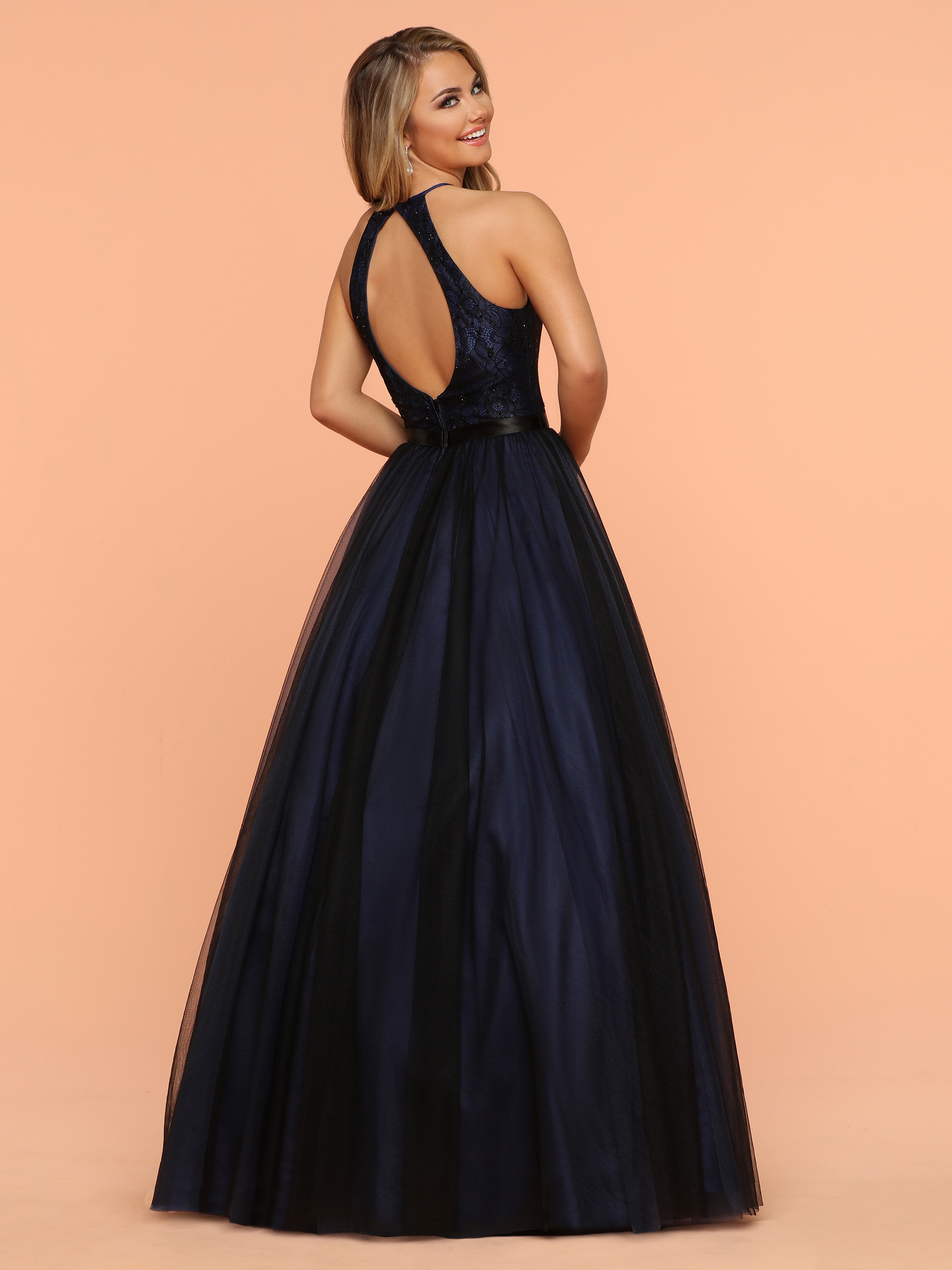 Image showing back view of style #71910