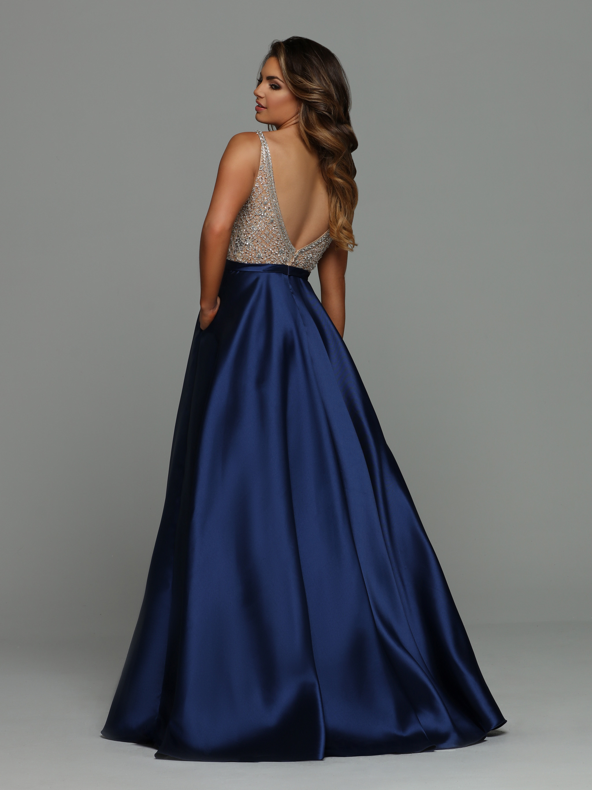 Image showing back view of style #71921