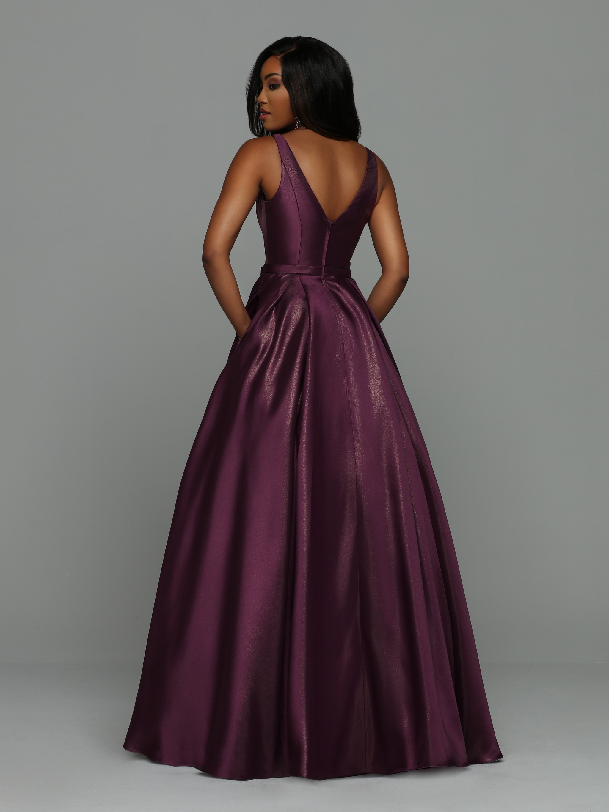 Image showing back view of style #71924
