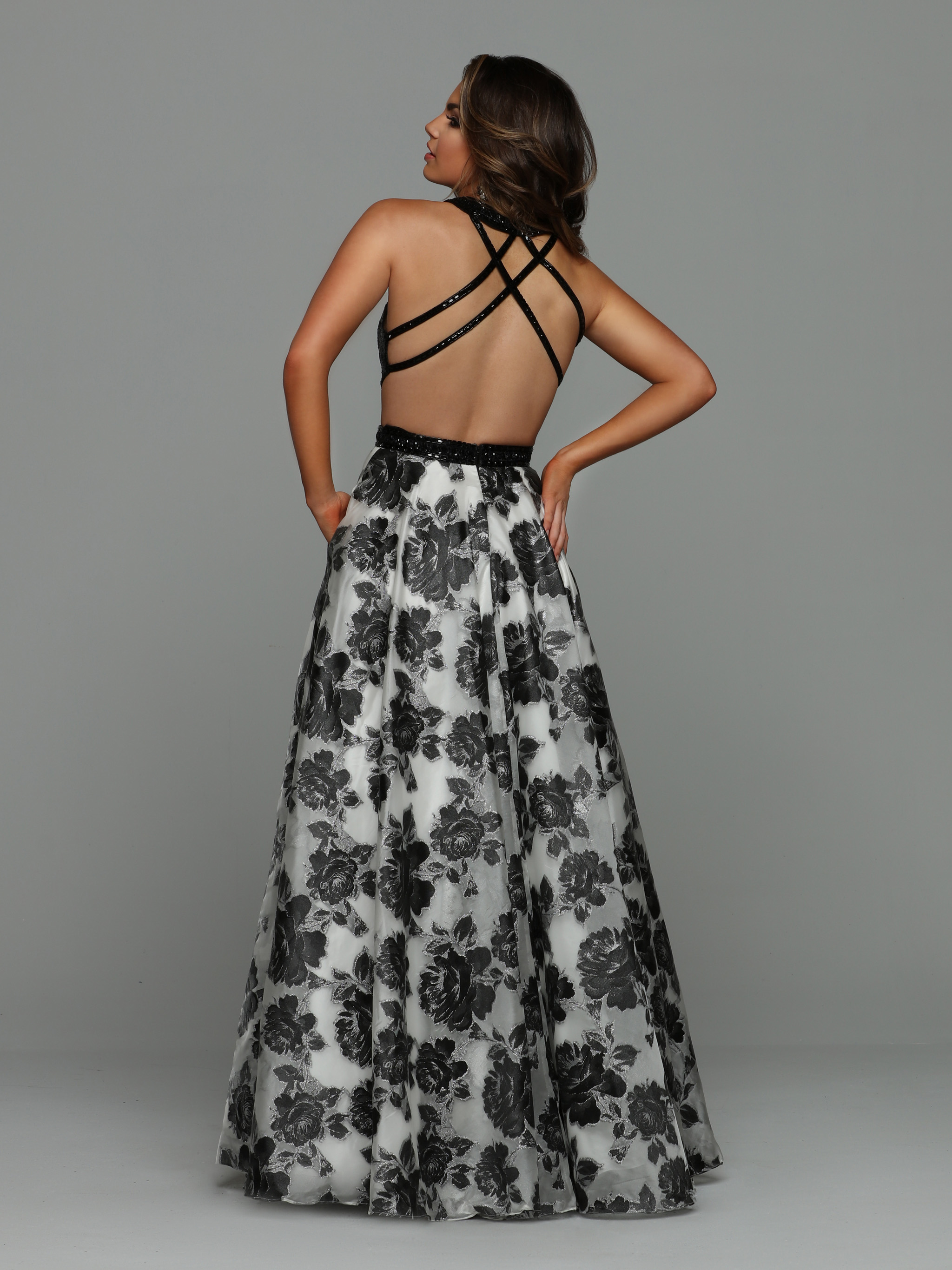 Image showing back view of style #71928