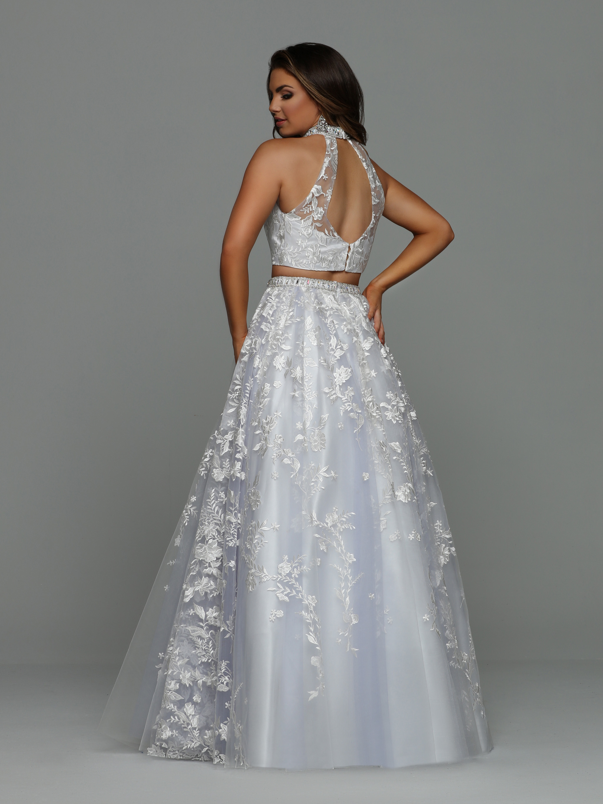 Image showing back view of style #71933