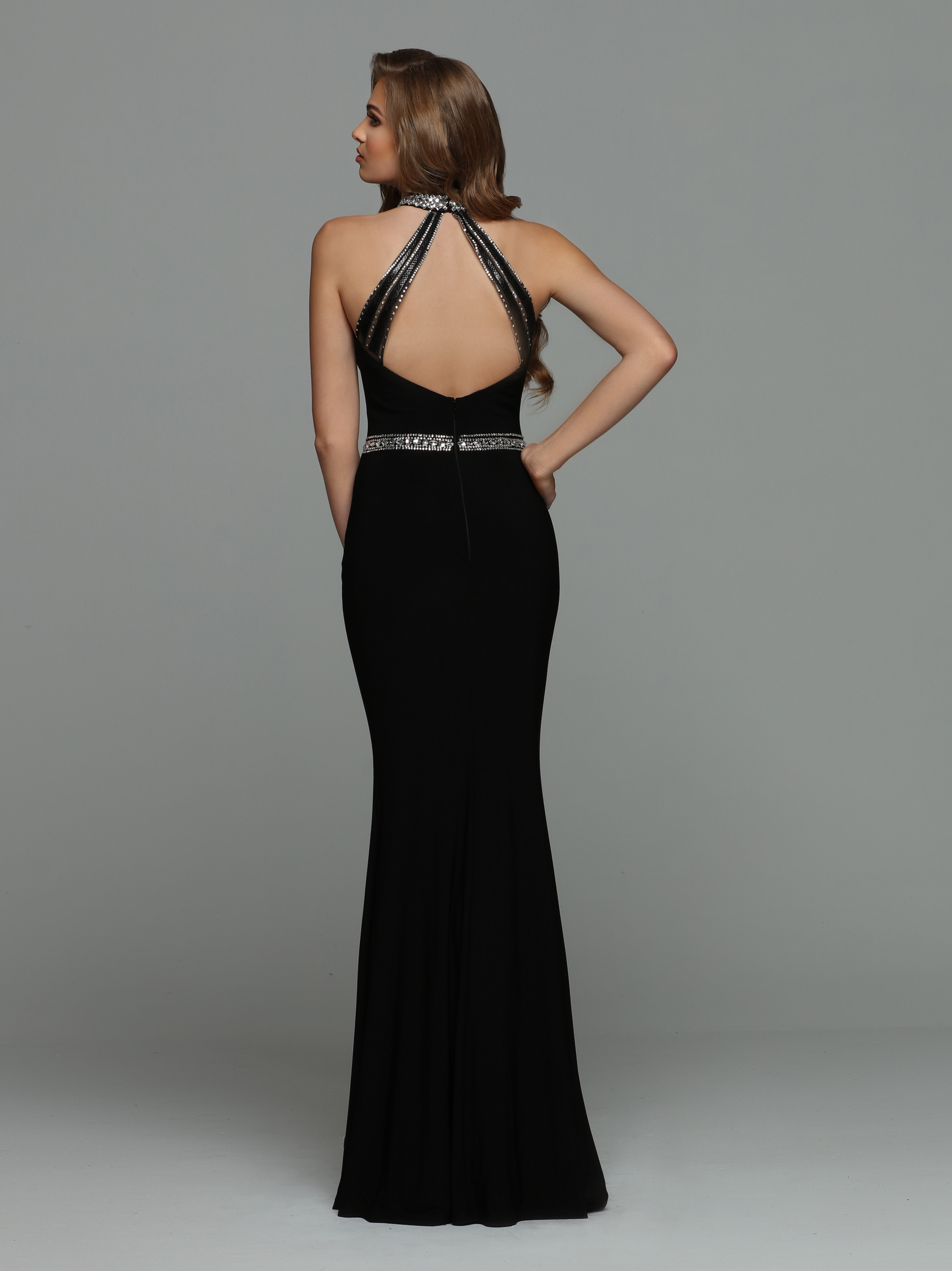 Image showing back view of style #71945