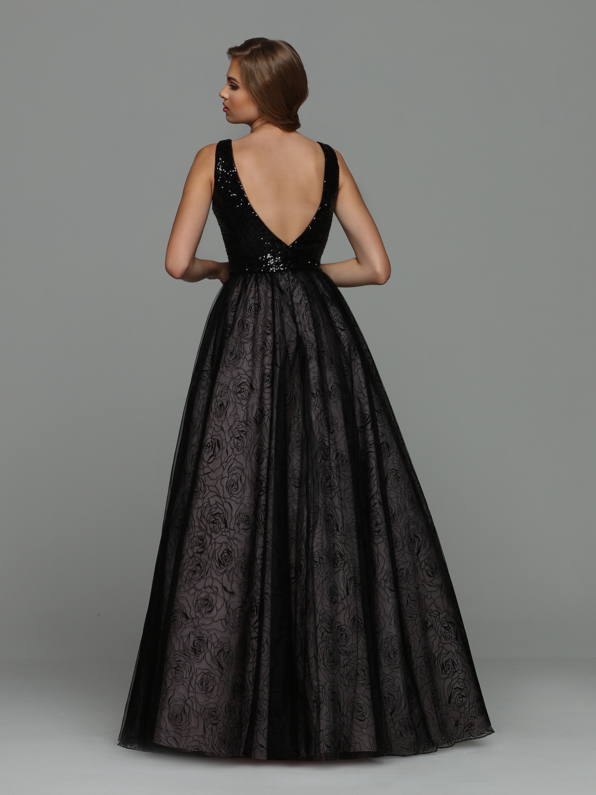 Image showing back view of style #71948
