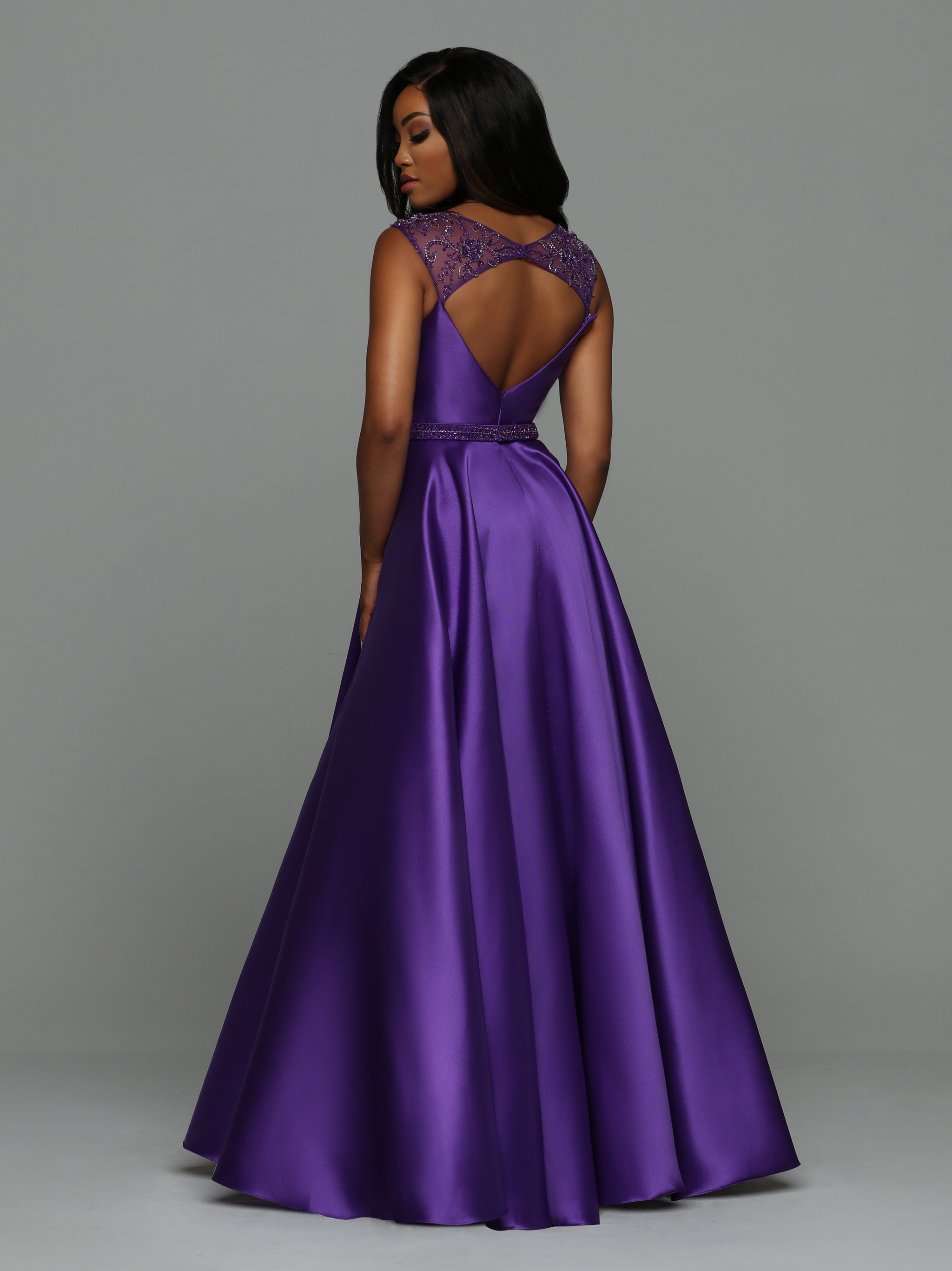 Image showing back view of style #71957
