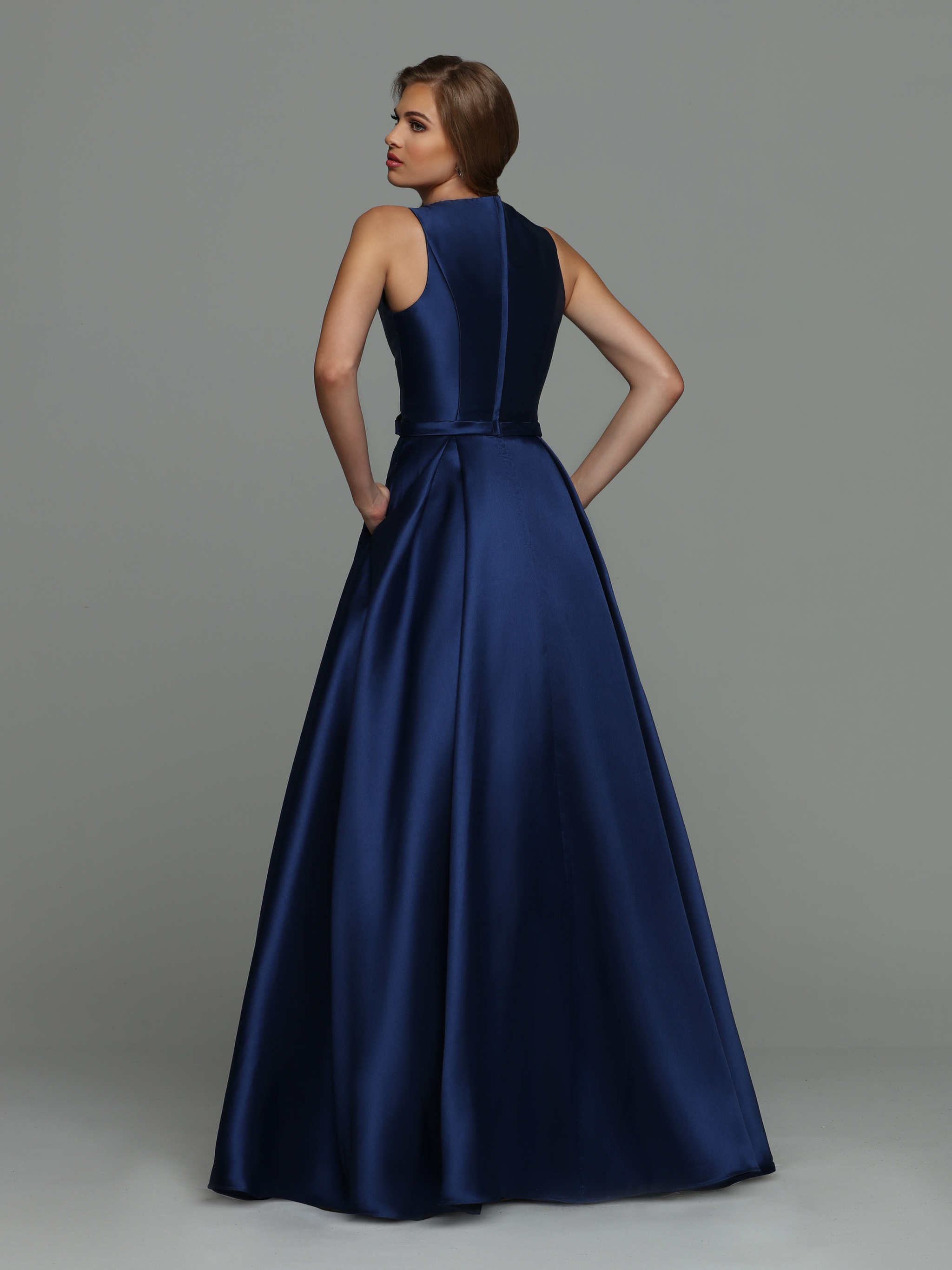 Image showing back view of style #71988