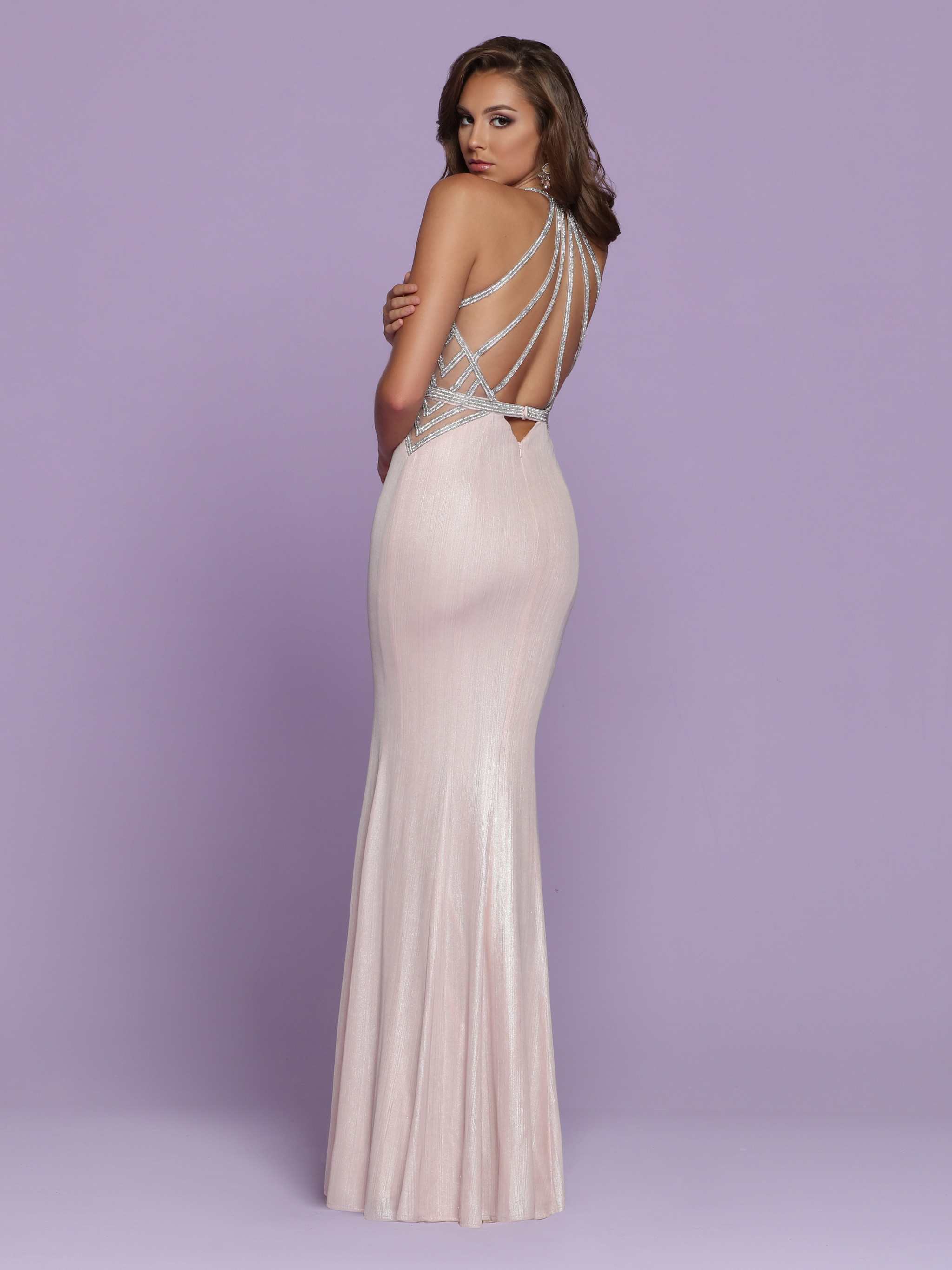Image showing back view of style #72043