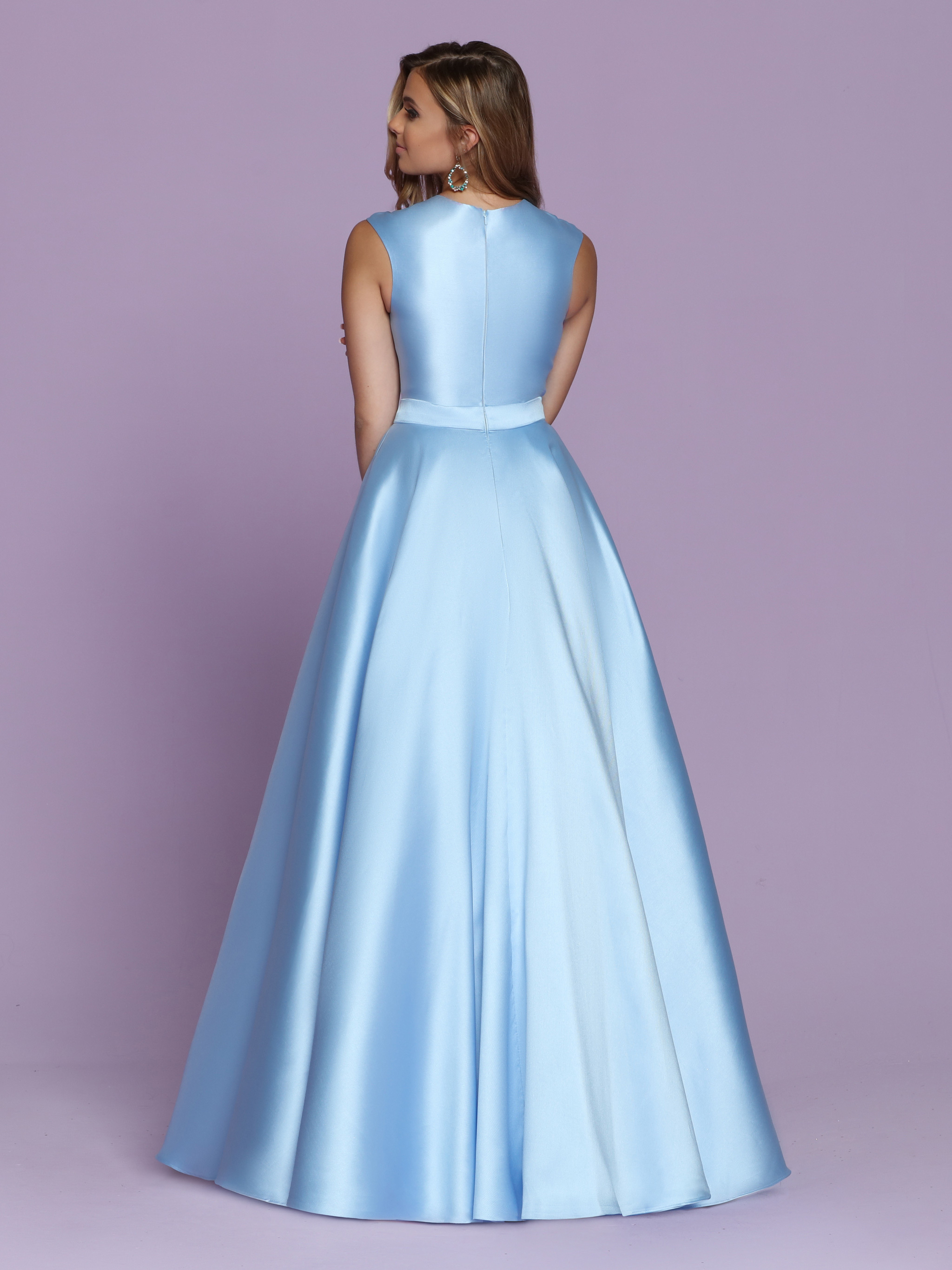 Image showing back view of style #72112