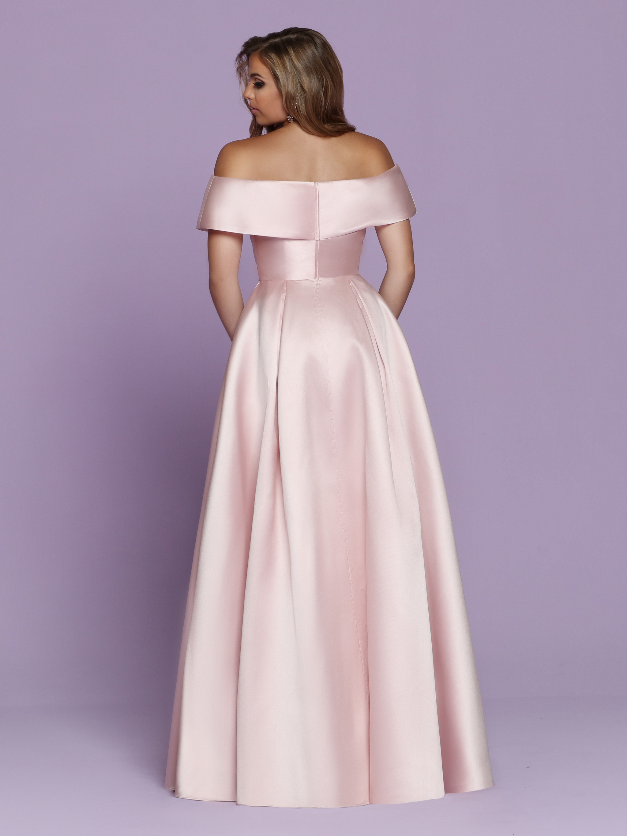Back view of Style : 72119