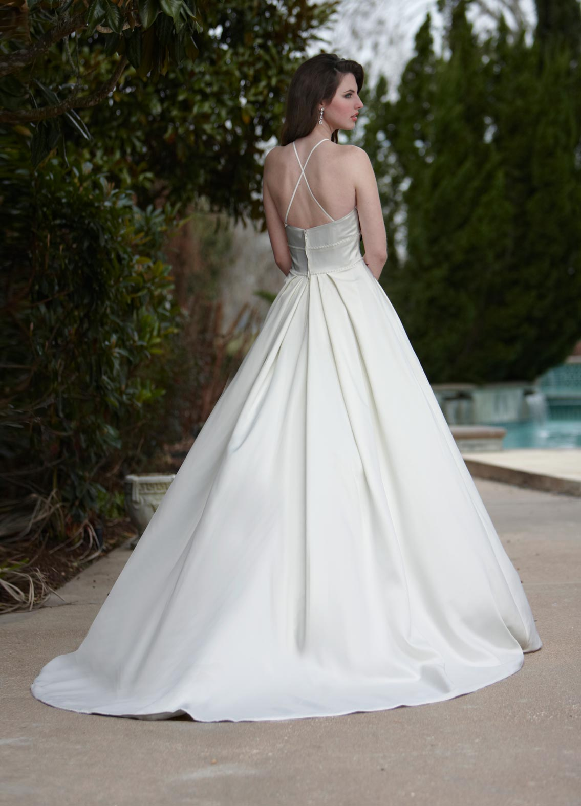 Back view of Style : 8439