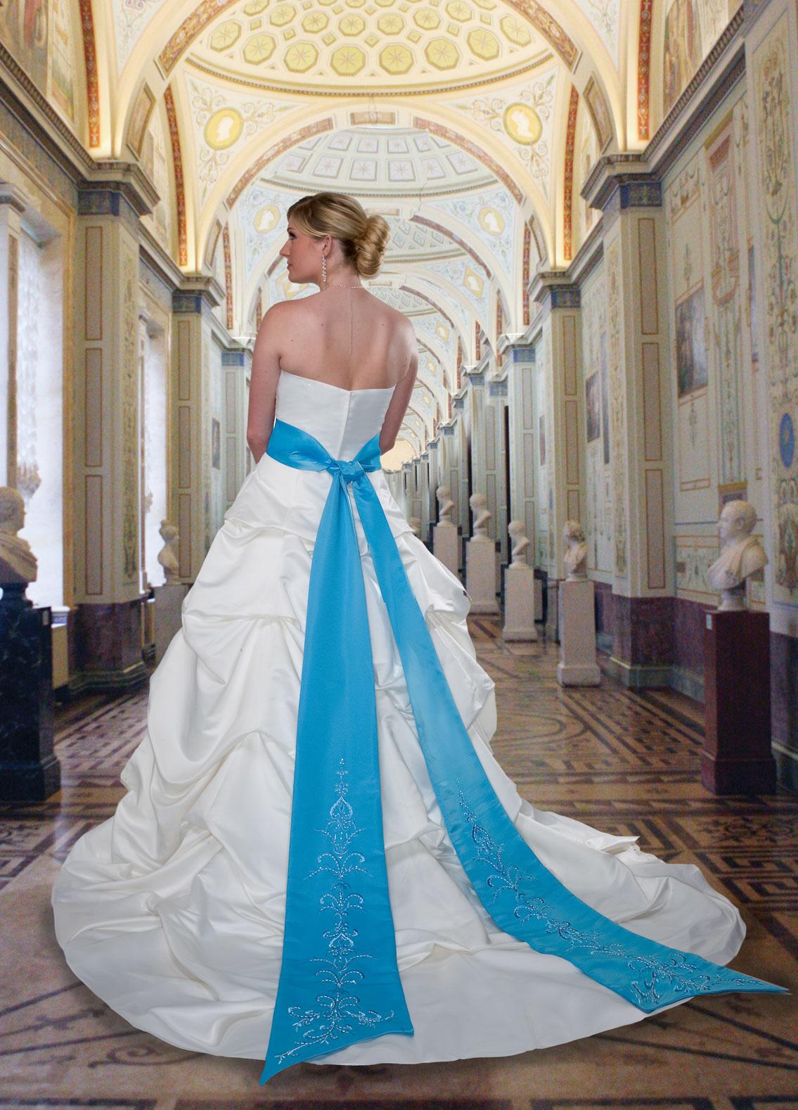 Style #8228 Full Figured | DaVinci Wedding Dresses